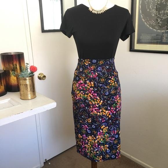 dfdf5e0a2c4 LuLaRoe Cassie Pencil Skirt